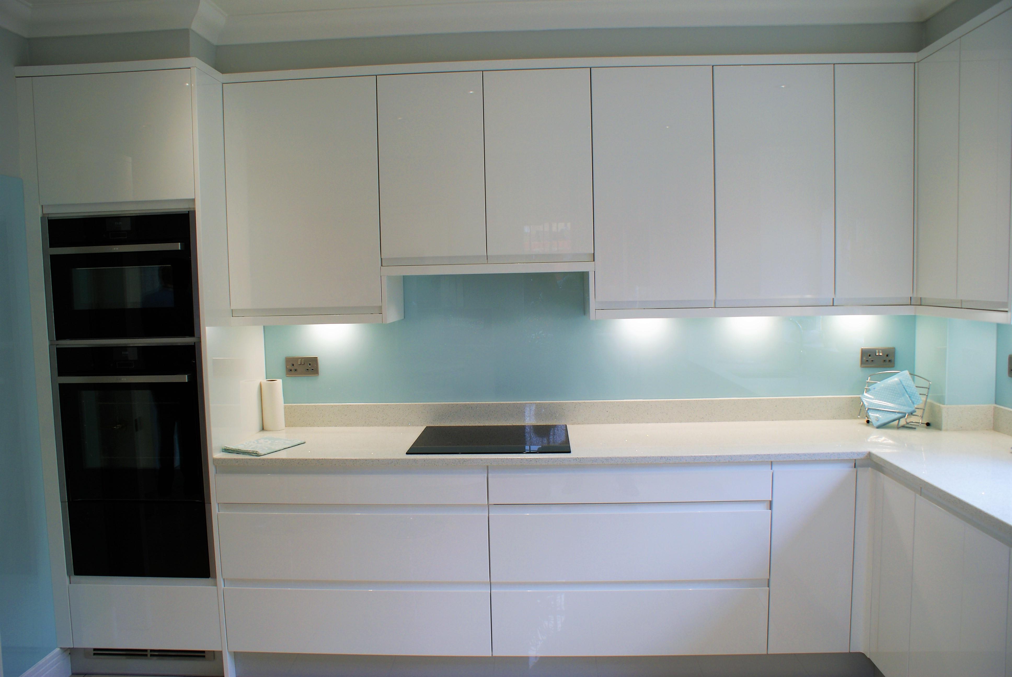 modern white gloss kitchen shepperton orchard kitchens. Black Bedroom Furniture Sets. Home Design Ideas